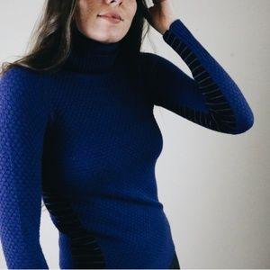 Athleta blue turtleneck sweater B2